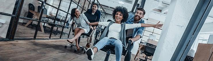 Bureaustoelen-race-onder-collegas