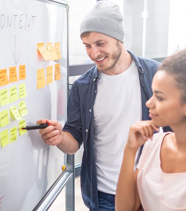 Jonge-mensen-denken-na-over-content-en-processen
